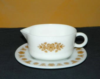 Pyrex Butterfly Gold Pyrex Gravy Boat and Saucer Set, Great for Syrups or Sauces, Serve with Pancakes or Waffles