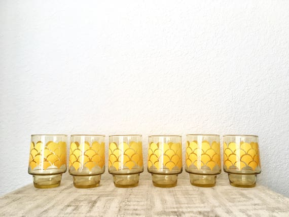 Vintage Amber Juice Glasses/Tumblers, Yellow/Orange Ombre Scallop Pattern