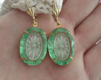 1920's Art Deco Vintage Etched Faceted Czech Peridot Crystal Glass Frosted Camphor Starburst Inset Earrings