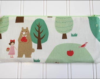 Woodland Walk Zipper Pouch (Padded)