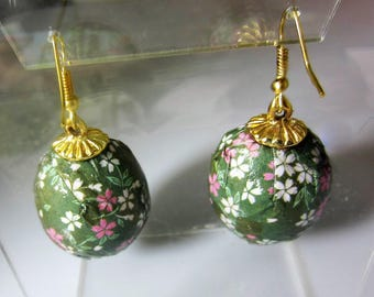 Real Parrot Egg Earrings,  Washi Paper,  Decorative   Earrings,  Sterilized Parrot Eggs (2086)