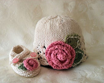 Hand Knitted Rose Cloche and Matching Rose Booties Lace Baby Cloche Knitted Baby Beanie Knitting Newborn Baby Hat Choldren Clothing