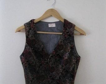 Spring SALE Vintage 70s Floral Velvet Vest / Hippie Boho gray and wine floral velvet waistcoat vest