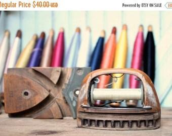 SHIPS TOMORROW Vintage Ribbon Loom Shuttle, Thread Spool & Block - Functional Rustic Wooden Tool of Industrial Era Home Decor