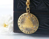 Antique Locket | Victorian Collar Chain & Matte Gold Locket, Daisies and Rhinestones | Heavy Gold Rope Collar Chain - 19 Inch Chain Necklace