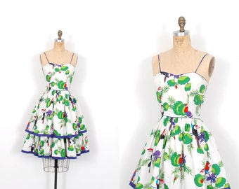 Vintage 1980s Dress / 80s Tropical Bird and Leaf Print Sundress / White and Green ( small S )