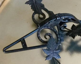 Black Wrougt Iron Curlique Baroque Plate Display Wall Holder Farmhouse