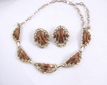 1950s Plastic Insert Jewelry - Gold and Brown 1950s Brown Plastic Necklace and Earrings // Clip-ons 50s Thermoset