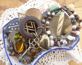 Vintage Jewelry Lot - Tribal - Skeleton Key - Hearts - Topaz Brown - Feather - Wood - Gold Dipped Leaf - D133