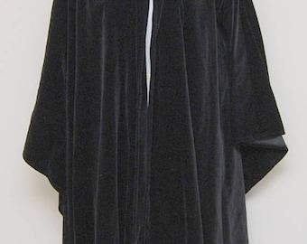SALE Vintage womens black velvet cape/ Vint black cape/ Laura Ashley