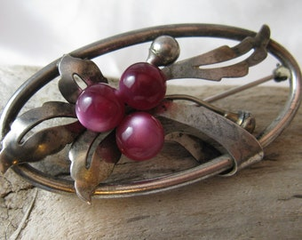 """Vintage 1940s Sterling Silver Taylor """"Berries"""" Oval Brooch, Purple Glass Moonstone Beads, Signed, Numbered"""