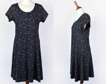 1990's Daisy Print Baby Doll Dress || Alice Designs