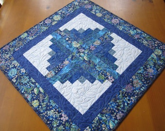 Table Topper Blue, Quilted Table Topper, Log Cabin Block, Square Topper, Table Quilt, Table linen, Handmade Table Topper, Tabletop