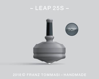 LEAP 25S Gray – Precision handmade spin top with ceramic tip and integrated rubber grip