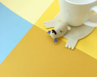 Bear Coaster with Fish / Home Decor / Table Accessory