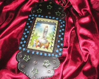 Religious Our Lady of Loudrdes Virgin Mother/Children Nicho Mexican Folk Art Retablo/Diorama..Nice.