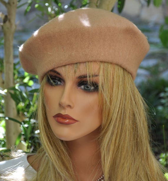 Wool Beret. Camel Beret, Tan Beret, French Beret, Winter Beret, Ladies Brown Hat, Tan Winter Hat, Ladies tan Hat, Wool Hat Cap, Casual Hat