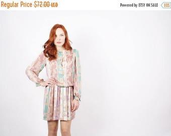 On SALE 35% Off - Short 80s Vintage Graphic Dress - Pastel Vintage Dress - David Warren Dress - The Dreams of Paris Dress - 5248