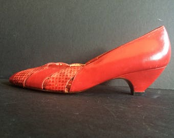 Red 80s Low Heeled Snake Skin Pumps