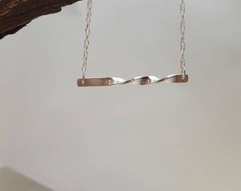 Bar Twist Necklace