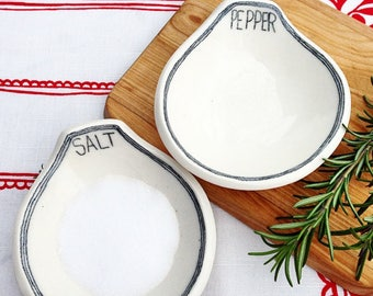 Salt and Pepper cellar...Set/2