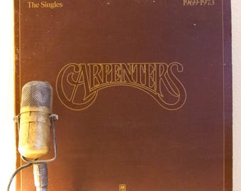 "ON SALE The Carpenters Vinyl Record 1970s Pop Light Easy Listening ""The Singles: 1969-1973"" (1970's A&M re-issue w/""Top Of The World"" {No Bo"
