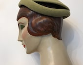 Late 1940s chartreuse green felt vintage hat