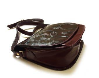 Vintage Embossed Italian Leather Saddle Purse Equestrian Handbag Horse and Horseshoe Embossed