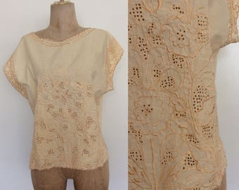 1980's Laser Cut Embroidered Pale Yellow Top Size Medium Large by Maeberry Vintage