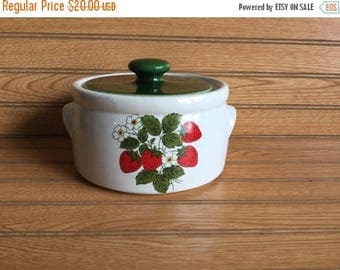 Sale McCoy Strawberry Crock Bean Pot with Lid 1421 Vintage