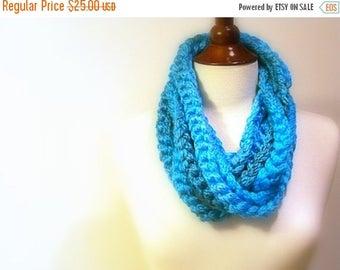 CIJ SALE Crochet Infinity Scarf, Turquoise Chunky Chain, Extra long Retro Fashion Accessory