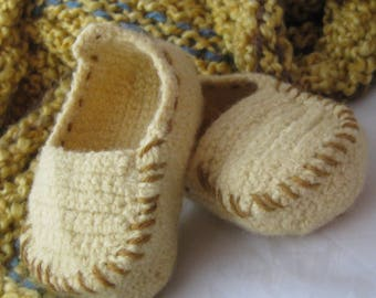 Light Yellow Wool Crochet Felted Moccasin Baby Bootie, Sizes S M L, Made to Order, Top Stitched gold, Babies First Loafer, Toddler Moccasin