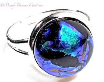 Round cabochon ring in dichroic glass blue, black, turquoise, luminous, handmade, unique piece