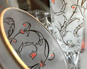 Gorgeous set of Vintage Frosted Libby Gold Gilt and Coral Drinking Glasses / Midcentury Modern Barware /  Libby Drinking Glasses / 1950s