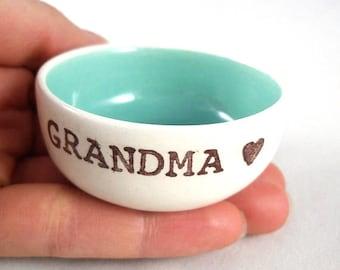 CUSTOM VALENTINE GIFT for grandma, pill dish or vitamin bowl personalized for grandparent, ring dish for grandma, gift from grandchildren
