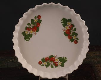 Apilco BIA, Strawberry Tarte Plate / Fluted Baking Dish, France