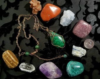 Malachite wirewrap pendant and crystal set  in a decorative gift tin.