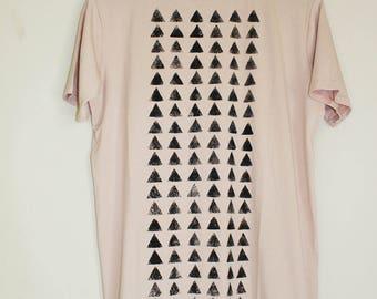 A unisex Pale Pink t shirt // soft t shirt // triangles print
