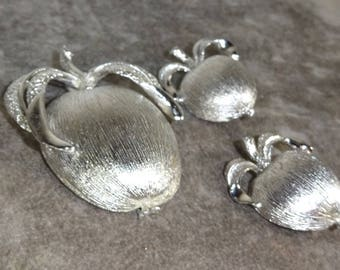 Vintage Sarah Coventry ADAM'S DELIGHT From 1961 Textured Apple Brooch and Texured Apple Earrings Silver Plated Free Shipping