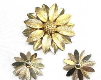 """25% Off Vintage Sarah Coventry Textured Gold Flower Pin and Earrings - 1960s  Brooch and Earrings """"SATIN PETALS"""""""