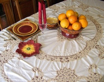 Vintage Linen And Lace Tablecloth Banquet Table Cover 90 X 80 Shabby Cottage Dining Room 1980s