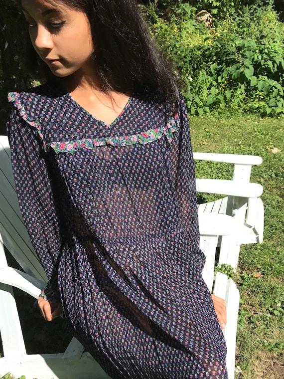 70s gauzy floral dress / ruffle bib / ditzy floral / s - l