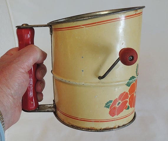 Vintage 1930s Flour Sifter.  Red Wood Handle & Knob.. Floral Farmhouse Kitchen Décor