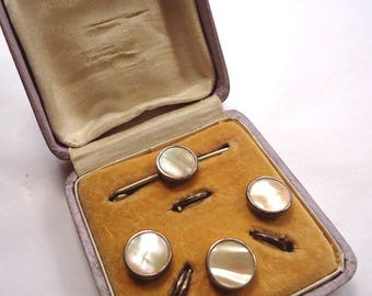 Boxed set of antique/vintage mother of pearl dress buttons, with matching tie pin (Ref D18)