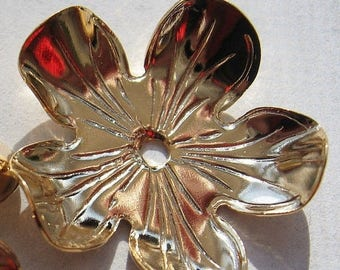 CLEARANCE Vintage Gold Flower Finding 25mm Textured Focal Point QTY - 1