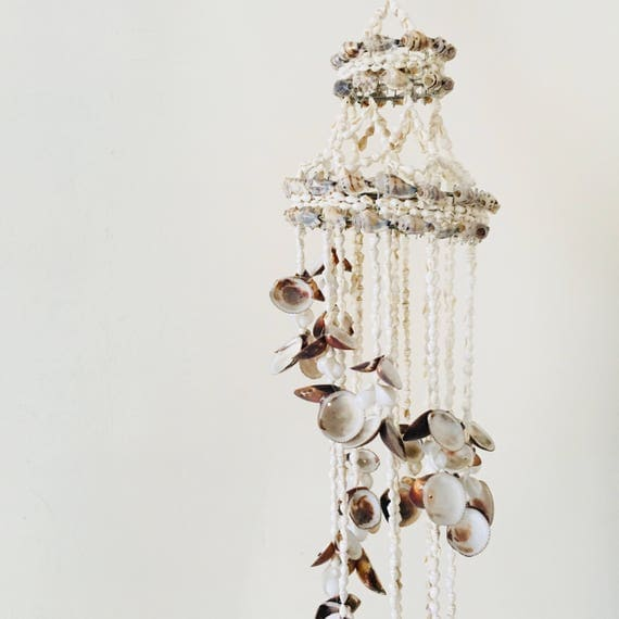 Vintage Shell Mobile Seashell Hanging Chimes Natural Bohemian Beach Decor Nautical Shell Chandelier Boho Coastal Home Decor