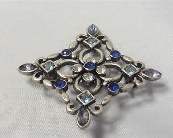 Signed LIA Silver Tone Blue Clear Crystals Pin / Brooch p1290196