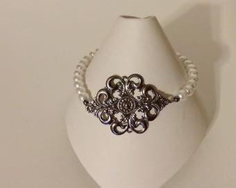 Faux Pearl Bracelet, Womens Bracelet, Link Bracelet, White Bracelet, Pearl Bracelet, Glass Pearl Bracelet, Fashion Bracelet