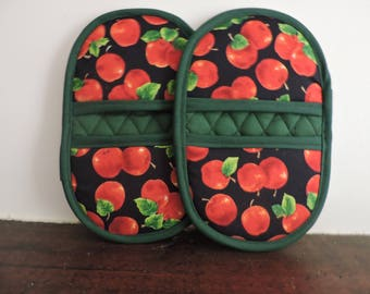 Mini Microwave Mitts-Oven MItts-Pinchers-Red Apples w/Forest Green Trim-Free Shipping