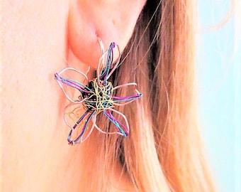 Flower earring stud, purple turquoise, tiny sculpture, wire earring, delicate earring, daisy earring, autumn, art teacher gift, boho jewelry